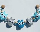 Blue crochet stroller chain Blue owl pram rattle Pram chain with owls Crochet teething toy Gift for baby Blue crochet owls Baby shower gift