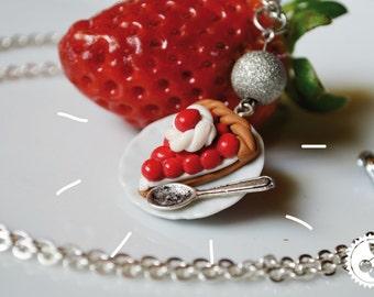 Greedy necklace - mini strawberry pie