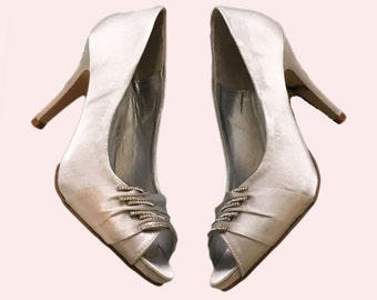 Satin peep toe shoes, Custom siver satin wedding shoes, handmade satin bridal shoes