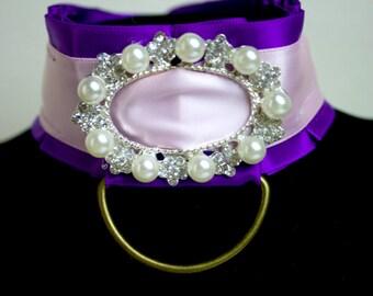 Elegant Pearl Collar