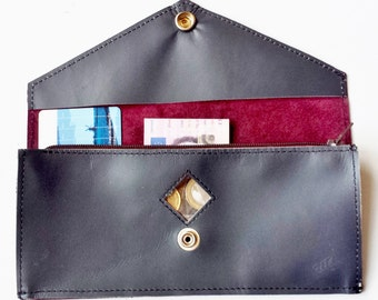 Leather wallet with metallic grey