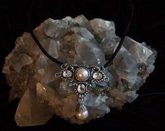 Beautiful Vintage/Steam punk/Classic pendant on black velvet necklace.