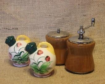 2 Vintage Salt & Pepper Shakers