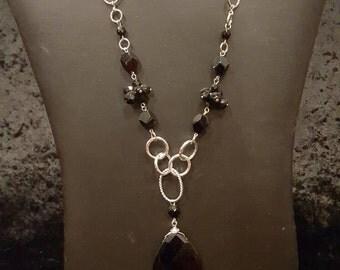 Tear Drop Necklace, Black Semi Precious Stone Necklace, Silver Tone, Cluster Necklace Black Stone Jewelry, Elegant Jewelry, Chunky Jewelry