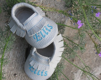 Gray Toddler Moccasins, Monogrammed Shoes, Personalized Baby Moccasins, 0 to 38 month, Infant moccasins, Christening baby shoes.