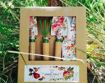 Gardening tools set-3 garden tools and pair of gloves,with painted flowers,Gardening gift,Gift for her,Gift for him,Unique gift