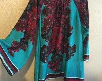 Moo moo dress in retro silk!