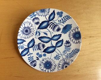 Vintage Genuine Melamine Blue & White Dinner Plate- One (1)