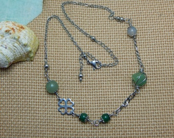 agate and aventurine necklace was handmade