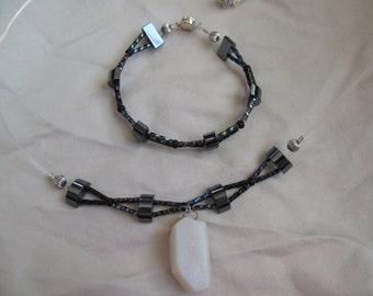 Black crisscross necklace and bracelet