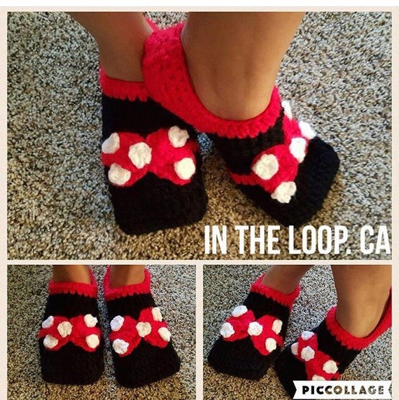 Free Crochet Pattern Minnie Mouse Shoes : Minnie mouse handmade crochet slippers by Intheloopca on Etsy