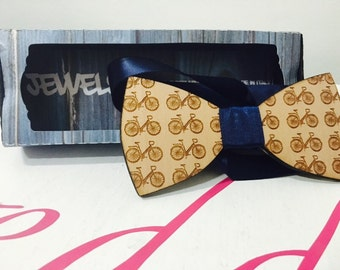 Bowties with fancy bicycle in pear wood