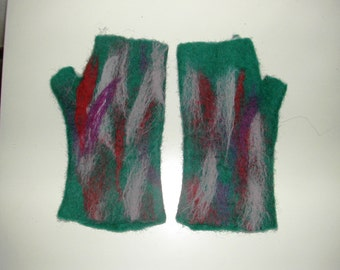carded wool gloves
