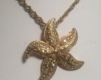 Avon Starfish Pendant Necklace