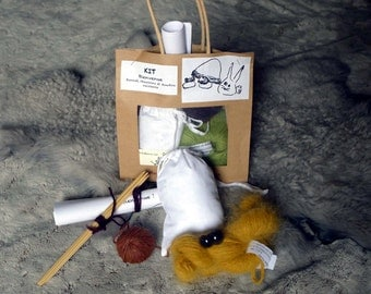 """Welcome"" Knitting kit"