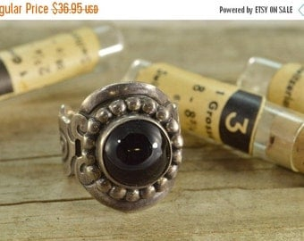 ON SALE Black Stone Swirl Design Ring Size 6 Sterling Silver 11.9g