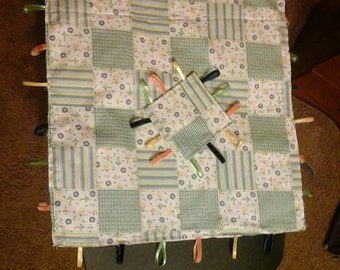 Crinkle Ribbon Tag Blanket