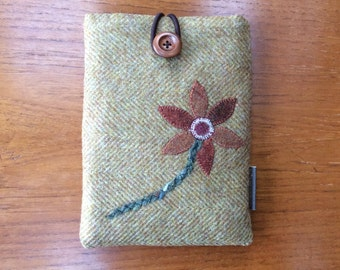 """Kindle paperwhite cover, kindle voyage, 6"""" Fire HD, Kobo, Nook cover case with appliqued flower, British wool tweed"""