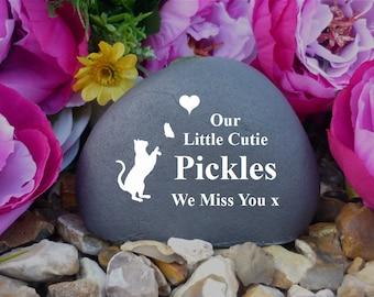 Cat Memorial - Personalised Pebble (Stone Effect) - Pet Memorial - Weatherproof - Personalised  - Freestanding