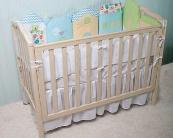 Crib bumper.