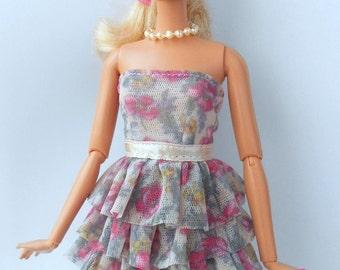 Beautiful dress for Barbie dolls