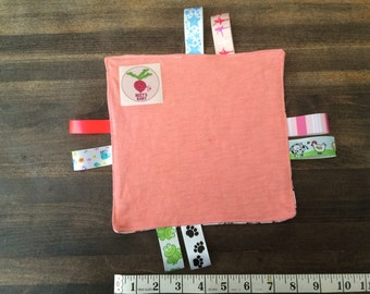 Peach and owl tag toy