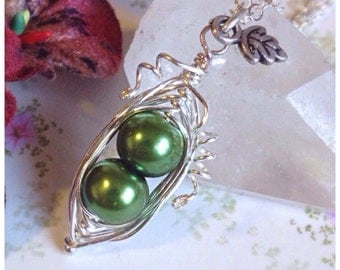 Peapod Necklace, Two Peas In A Pod Necklace, Green, Peapod Jewellery, peas-in-a-pod, Peapod, Family, New Mum, Brother, Sister, Children,
