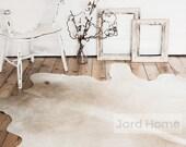 Cowhide Rug Neutral Tones / Cream & White / The Mare