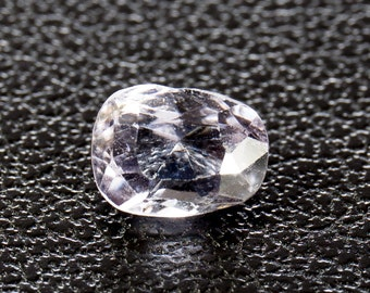 Natural Very Light Pink/Purple Spinel, oval mixed cut, 0.89ct
