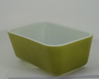 Pyrex 502 1-1/2 Pint Avocado Verde Green Refrigerator Dish fridgie