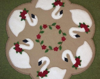 Primitive Swan Wool Applique Penny Rug Candle Mat * PATTERN *