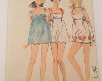 Vintage Beachdress Butterick no. 4449 scalloped hemline 1960's