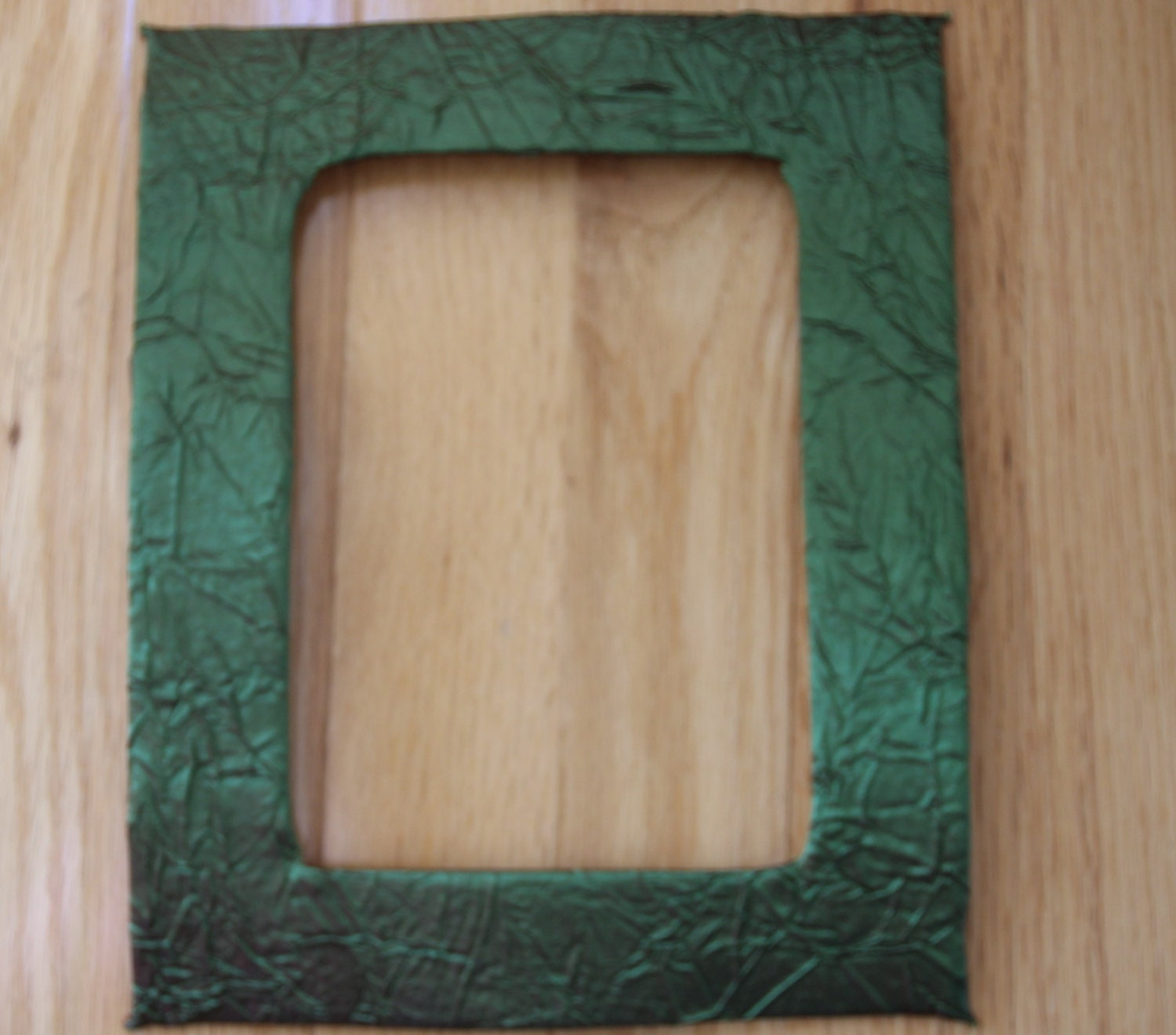 8 Quot X 10 Quot Picture Mat In Crinkled Green Silk With A 5 Quot X 7