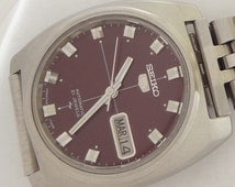 21 Jewels Made in Japan Seiko Automatic vintage day date watch mint condition.