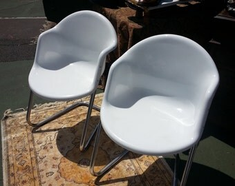 NOW ON SALE....MiDCENTURY Pair of ScANDINAVIAN Modern Chairs in Fiberglass & Aluminum from Finland by Yrjö Kukkapuro