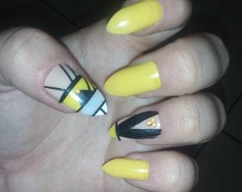 20 qwerky  fake nails