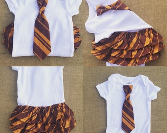 Baby girl Harry Potter ruffle-bottom onesie! Hogwarts Gryffindor, Slytherin, Ravenclaw or Hufflepuff baby outfit w/ choice of headband!
