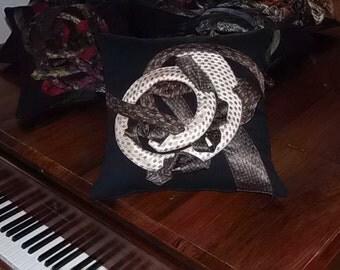 Nougat decorative cushion