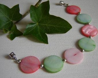 Bracelet - dream in pastel with magnet closure - strap -.