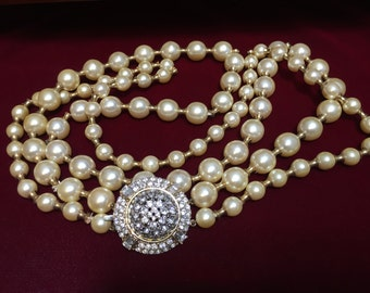 VINTAGE VALENTINO RUNWAY Necklace, Vintage Jewelry, Valentino, Rare,  Stunning Necklace, Valentino Runway, Crystal and Faux Pearls, Bridal