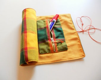 Yellow Pencil Pouch of cotton fabric can be rolled up 42 x 25 cm/roll-up pencil case (makeup-brushes-custody-case)