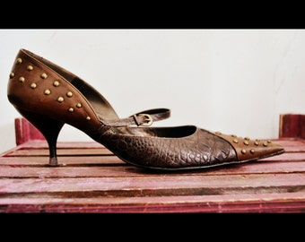 Brown studded shoes / Zzio pointed toe shoes / brown leather shoes / front strap pumps / crocodile skin / coccodrillo