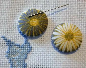 Flower Needle Minder