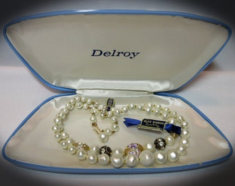 Beautiful Delroy 2 Strand Vintage Necklace