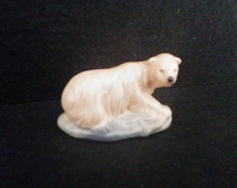 Wade Whimsie Polar Bear Figurine