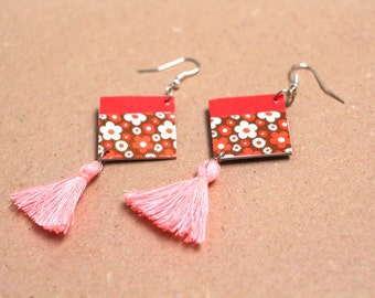 """Earrings paper """"Cagayan"""" - Earrings square, pink and small flowers, pink pompon"""