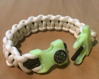 Glow in the Dark, flint stricker/whistle/compass paracord bracelet