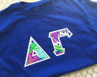 Lilly pulitzer greek letter shirt,  Lilly Pulitzer Greek letters, Greek letter shirt