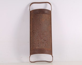 Antique Vintage Old Iron Food Kitchen Grater.