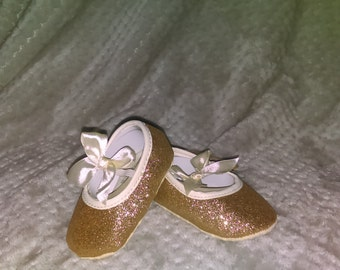 Sparkly gold shoes 6-12 mths and 12-16 mths